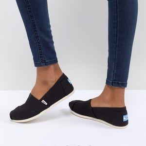 {Toms} Black shoes